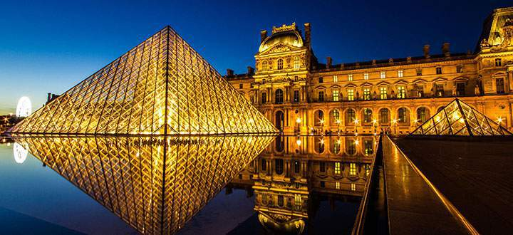 04_Louvre-Museum-At-Night