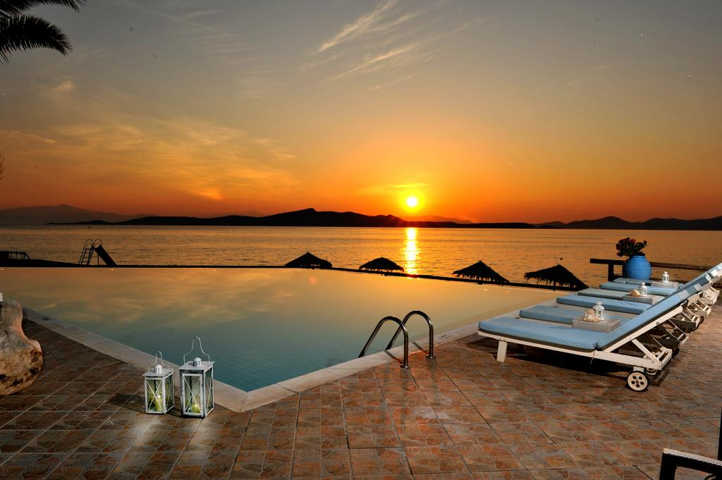 Venus Beach Hotel Bungalows 3*