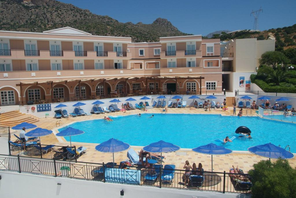 Sunshine Crete Village 4*
